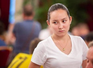Шахматистка Жансая Абдумалик победила на крупном турнире в Вене