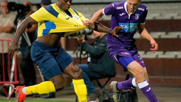 Казахстанец помог бельгийскому клубу победить лидера чемпионата в матче с незабитым пенальти