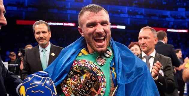 Василий Ломаченко победил олимпийского чемпиона в бою за три титула