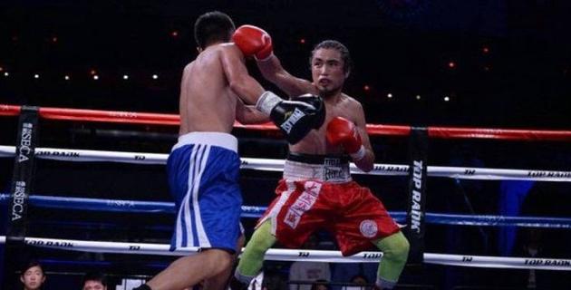 """""""Он выгнал меня"""". Казахский боксер из Китая рассказал о конфликте с Исламом"""