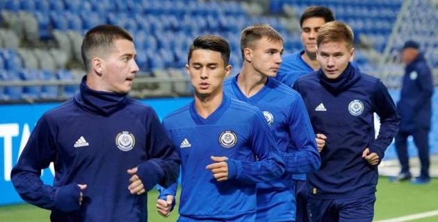 Молодежная сборная Казахстана из-за пенальти проигрывает Испании после первого тайма матча отбора на Евро