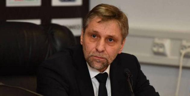 В новом сезоне КХЛ случилась первая тренерская отставка