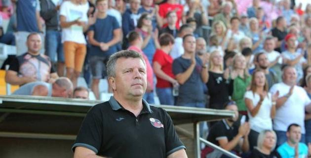 Команда казахстанского тренера одержала разгромную победу в чемпионате Литвы