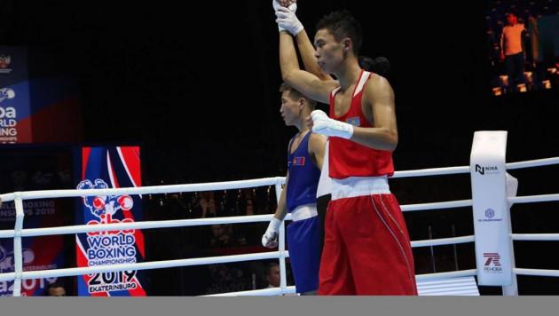 Видео победных боев казахстанцев Кулахмета и Бибосынова на чемпионате мира по боксу
