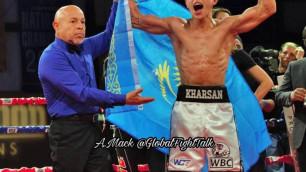Видео боя с нокдауном и досрочной победой казахстанца с титулом от WBC в андеркарте Фьюри