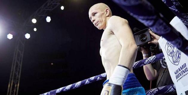 Казахстанский боксер одержал третью победу в профи