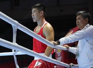 21-летний боксер из Казахстана выиграл третий подряд бой на чемпионате мира-2019 в России