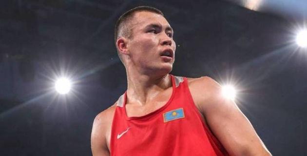 Капитан сборной Казахстана по боксу стартовал с победы нокаутом на ЧМ-2019