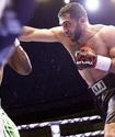 Компания Сондерса и Фьюри перенесла вечер бокса с главным боем казахстанца