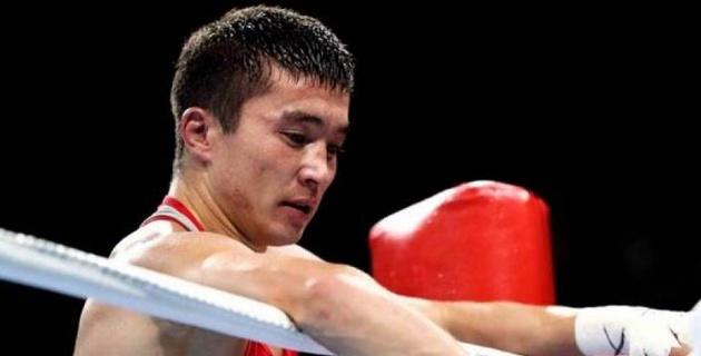 Казахстан из-за рассечения и досрочной остановки в бою с узбеком потерял чемпиона мира на ЧМ-2019 по боксу