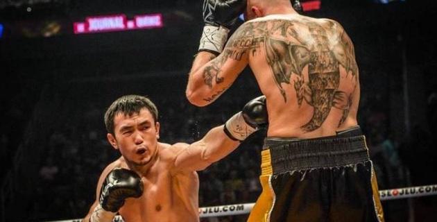 """Непобежденный казахстанец снялся с боя против """"Акулы"""" из Мексики с 16 нокаутами"""