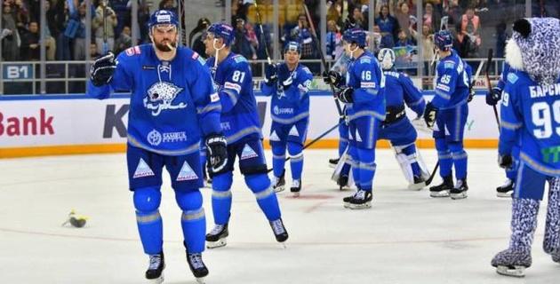 """""""Барыс"""" обыграл """"Магнитку"""" благодаря дебютному очку голкипера из НХЛ и одержал третью подряд победу в КХЛ"""