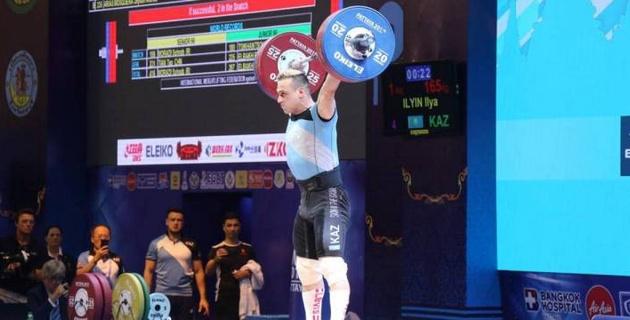 Чемпион Азии прокомментировал выступление Ильина на ЧМ и увидел прогресс в его результатах