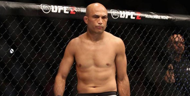 Бывший чемпион UFC исключен из промоушена