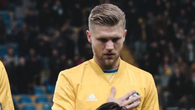 В КФФ прокомментировали отсутствие двух футболистов из зарубежных клубов в сборной Казахстана