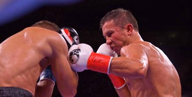 Головкин победил Деревянченко в бою с нокдауном и завоевал два титула чемпиона мира