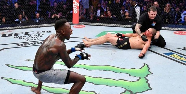 Чемпион UFC в среднем весе проиграл нокаутом и лишился титула