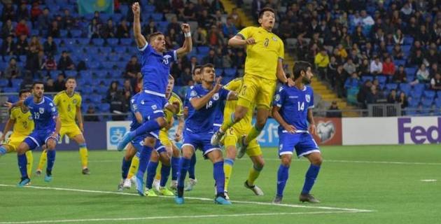 Сборная Казахстана обыгрывает Кипр после первого тайма матча отбора на Евро-2020