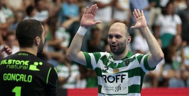 Нападающий сборной Казахстана по футзалу помог португальскому клубу одержать победу в Лиге чемпионов