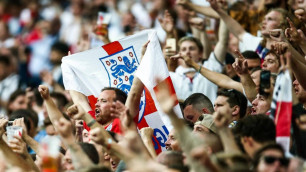 """Английские фанаты """"набедокурили"""" перед первым поражением своей сборной в отборе на Евро-2020"""