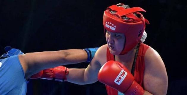 Тренер сборной Казахстана озвучил причины поражения Исламбековой в полуфинале ЧМ по боксу