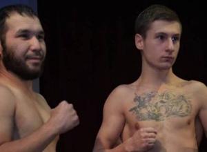 Казахстанский боксер нокаутировал россиянина в реванше