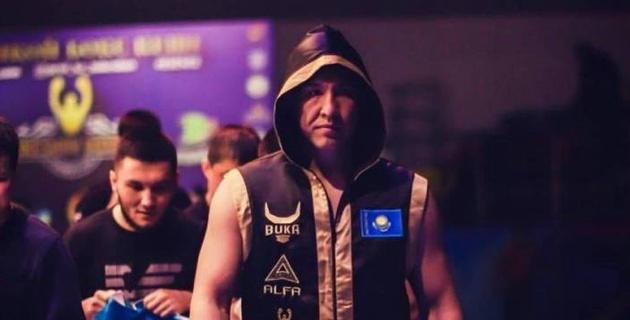 Казахстанский боксер с опытом боев в США и Мексике победил нокаутом в титульном поединке