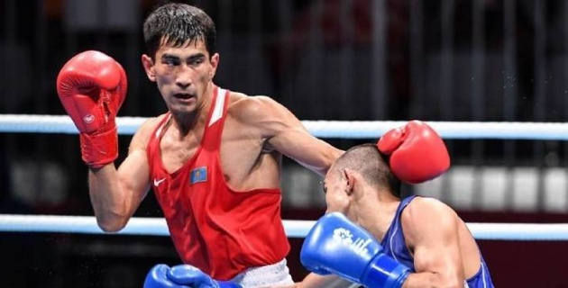 Победа с двумя нокдаунами и поражение от призера России. Как казахстанцы выходили в 1/4 финала турнира в Китае