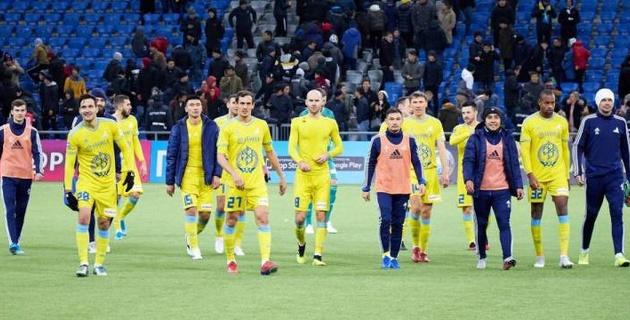 """""""Астана"""" пропустила шесть мячей от АЗ и проиграла третий матч подряд в группе Лиги Европы"""