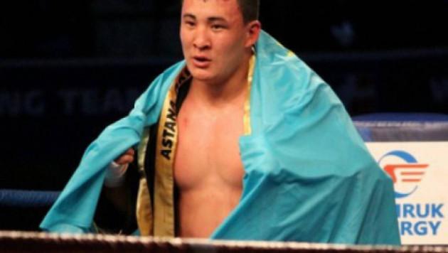 Казахстанский супертяж выиграл в андеркарте у Каната Ислама и впервые в карьере провел полный бой