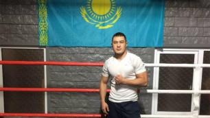 Казахстанец Арман Рысбек  за минуту одержал досрочную победу в вечере бокса в Алматы