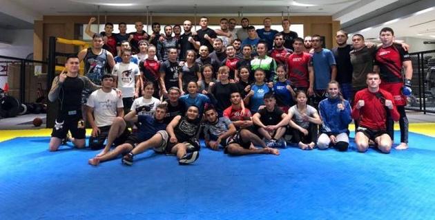Сборная Казахстана по MMA отправилась на чемпионат мира в Бахрейн