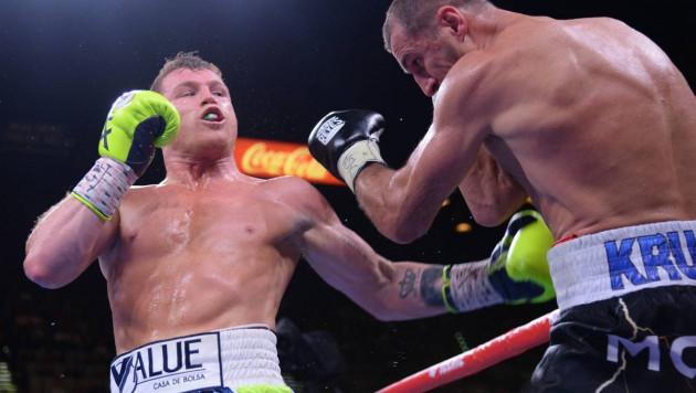 """Видео нокаута, или как """"Канело"""" поймал Ковалева и вошел в историю после победы"""