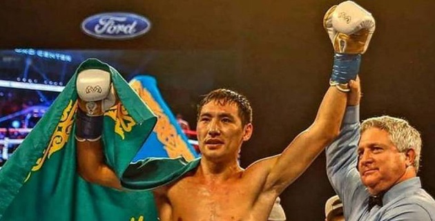 Алимханулы нокаутировал канадца и защитил титулы от WBC и WBO