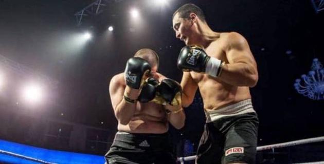 Казахстанский супертяж нокаутировал в первом раунде небитого соперника и завоевал титул
