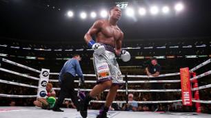 Новый чемпион мира победил в бою с нокдауном и повторил достижение Майка Тайсона