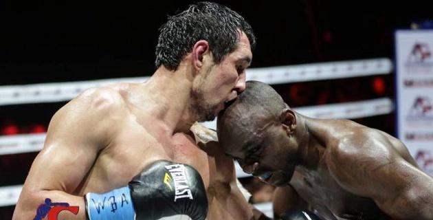 Непобежденному казахстанцу предложили три варианта для защиты титулов от WBC, WBA и WBO