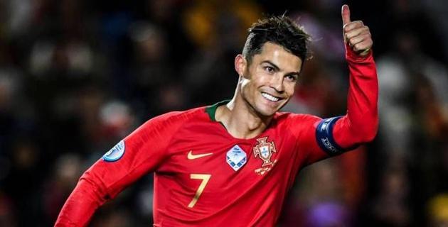 Хет-трик Роналду помог Португалии одержать разгромную победу в матче отбора на Евро-2020