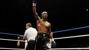 Тренировавшийся с Головкиным боксер забил соперника в пятом раунде и заставил рефери остановить бой