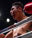 Обидчик казахстанца и чемпиона мира в трех весах встал после нокдауна и победил нокаутом