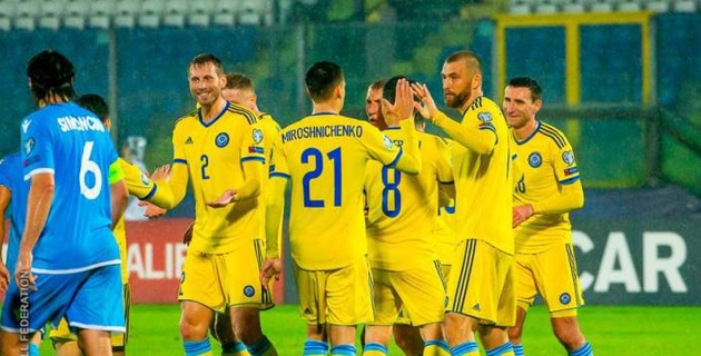 Сборная Казахстана прибыла в Глазго на заключительный матч отбора на Евро-2020