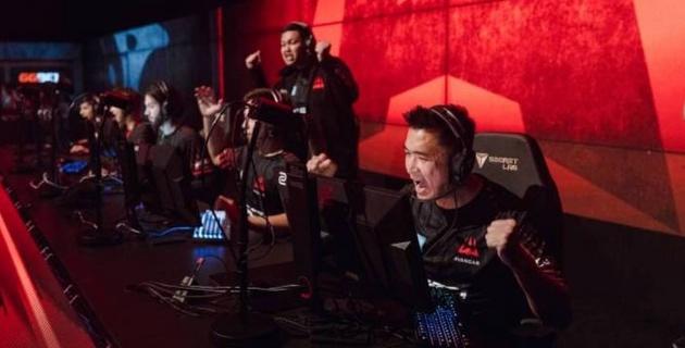 Самая успешная команда Казахстана по Counter-Strike одержала волевую победу и вышла в плей-офф чемпионата Азии