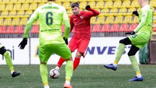 Команда казахстанца пропустила пять мячей в предпоследнем матче чемпионата