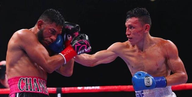 """Промоутеры """"Канело"""" уволили обидчика казахстанского боксера после досрочного поражения и потери титула"""