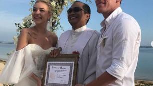 Казахстанский футболист сыграл романтичную свадьбу на Бали