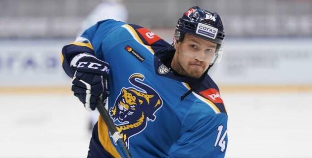 Российский клуб из КХЛ расстался с сыном экс-капитана сборной Казахстана по хоккею
