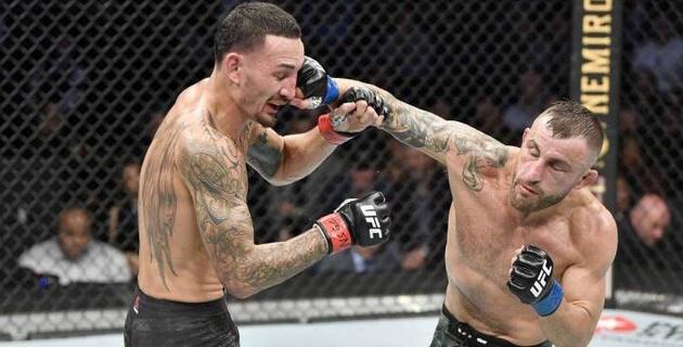 Холлоуэй проиграл Волкановски и потерял титул UFC