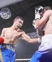 Непобежденный казахстанец победил боксера из промоушена Пакьяо