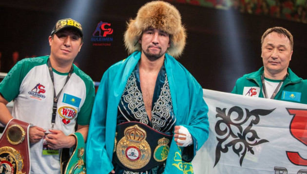 Видео нокаута, или как казахстанец защитил титулы от WBC, WBA и WBO