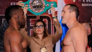 Экс-чемпион мира из России вернулся в бокс и проиграл бой за титул WBC в одном вечере с казахстанцем